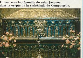 St Jacques urne Compostelle pèlerin mag hors série