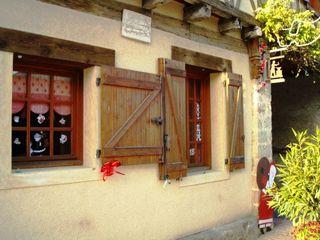 Déco village façade 6  fenêtre et enseigne comp