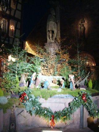 1 crèche fontaine devat l'église catholique comp