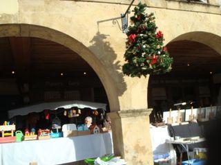 Marché de Noël déc place et stands comp
