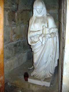 Statue sacristie nord église