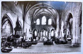 St Antoine de Padoue place ancienne dans l'église comp