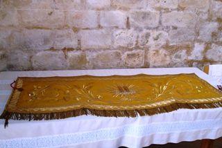 1 devant autel  doré comp