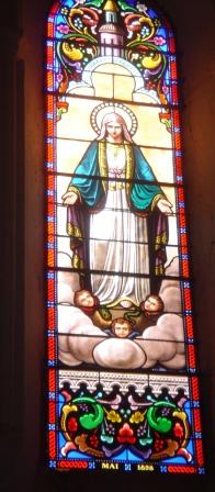 Vitrail Vierge de Catherine Labouré choeur est