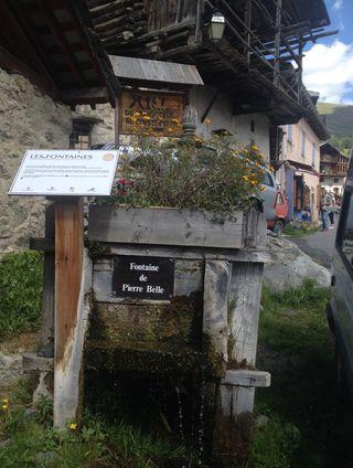 Fontaine 1 rognée