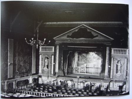 2010 expo  théâtre marciac