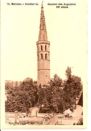 3 0 Arbres place devant couvent mur et portail Clocher - 0047