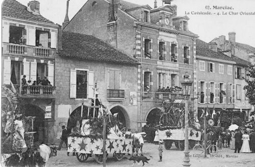 1 cpa Cavalcade 4 nord   vers 1905  MS