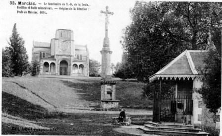 8 NDC cpa colonne et crucifix  site