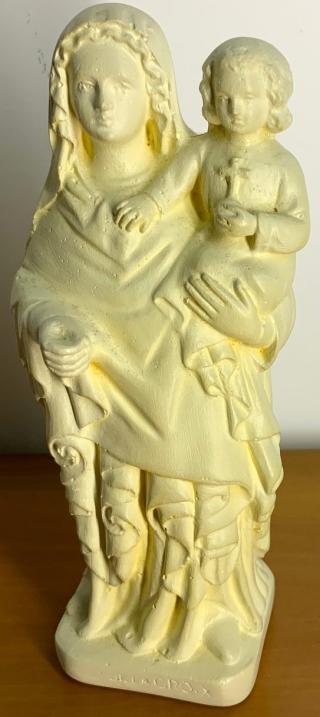 00 NDC statuette