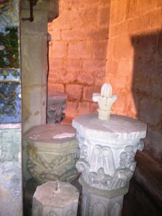 0 NDA restes ancien autel gothique