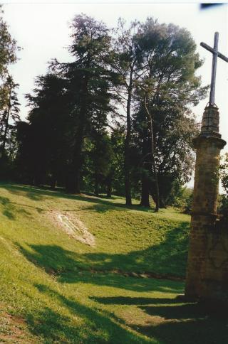 1997 08 NDC terrain d'exposition satanique
