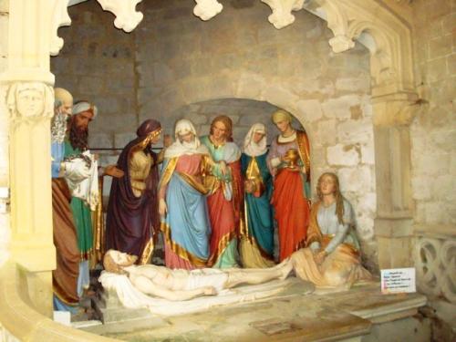 7 2 NDA Lassalle  Mise au tombeau porche